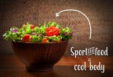 Φρέσκο salade στο ξύλινο υπόβαθρο Στοκ Φωτογραφίες
