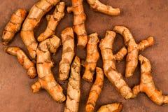 Φρέσκο Turmeric ακατέργαστων άψητος λεπτό και Zesty μαγειρεύοντας καρύκευμα στοκ φωτογραφίες