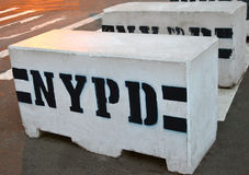Φραγμοί αστυνομίας του σκυροδέματος Στοκ Φωτογραφίες