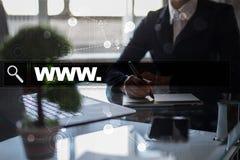 Φραγμός αναζήτησης με το κείμενο www Ιστοχώρος, URL Ψηφιακό μάρκετινγκ μπλε έννοια Διαδίκτυο χρώματος ανασκόπησης Στοκ Εικόνα