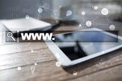 Φραγμός αναζήτησης με το κείμενο www Ιστοχώρος, URL Ψηφιακό μάρκετινγκ Επιχείρηση, Διαδίκτυο και έννοια τεχνολογίας στοκ φωτογραφία