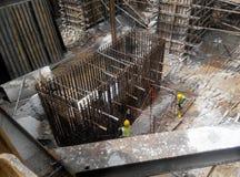 Φραγμός ενίσχυσης σωρών ΚΑΠ που κατασκευάζεται στο εργοτάξιο οικοδομής Στοκ Εικόνα