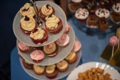 Φραγμός καραμελών και θαυμάσιο κέικ Στοκ Εικόνες