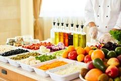 Φραγμός σαλάτας με τα λαχανικά στο εστιατόριο, υγιή τρόφιμα Στοκ φωτογραφία με δικαίωμα ελεύθερης χρήσης