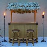 Φραγμός Tiki τη νύχτα Στοκ Εικόνα