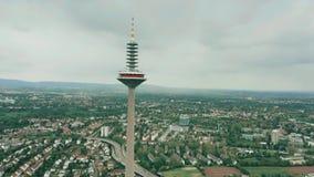 ΦΡΑΝΚΦΟΥΡΤΗ ΑΜ ΜΆΙΝ, ΓΕΡΜΑΝΙΑ - 29 ΑΠΡΙΛΊΟΥ 2019 Εναέριος πυροβολισμός Europaturm, υψηλός πύργος τηλεπικοινωνιών φιλμ μικρού μήκους