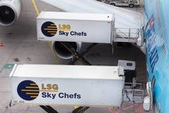 Φρανκφούρτη, hesse/Γερμανία - 25 06 18: lsg αυτοκίνητα εμπορευματοκιβωτίων αρχιμαγείρων ουρανού στον αερολιμένα Γερμανία της Φραν Στοκ εικόνα με δικαίωμα ελεύθερης χρήσης