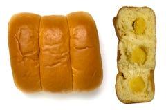 Φραντζόλα του άσπρου ψωμιού που απομονώνεται σε ένα άσπρο υπόβαθρο Στοκ εικόνα με δικαίωμα ελεύθερης χρήσης