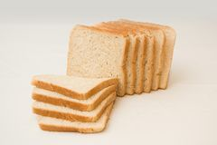 φραντζόλα ψωμιού που τεμαχίζεται στοκ φωτογραφία με δικαίωμα ελεύθερης χρήσης