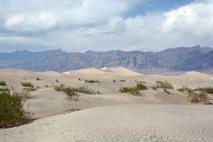φρεάτια άμμου αμμόλοφων stovepipe στοκ εικόνα με δικαίωμα ελεύθερης χρήσης