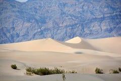 φρεάτια άμμου αμμόλοφων stovepipe στοκ φωτογραφία με δικαίωμα ελεύθερης χρήσης