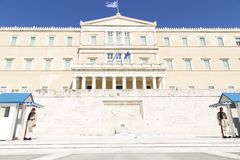 Φρουρά μπροστά από το ελληνικό Κοινοβούλιο, το Μάιο του 2014 Αθήνα στοκ εικόνα με δικαίωμα ελεύθερης χρήσης