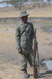 Φρουρά Τανζανία Tom Wurl σαφάρι Στοκ φωτογραφία με δικαίωμα ελεύθερης χρήσης