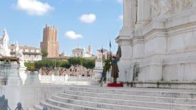 Φρουρά τιμής στο μνημείο Vittorio Emmanuel ro απόθεμα βίντεο