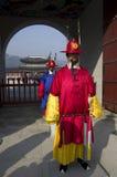 Φρουρές και παλάτι Gyeongbokgung στοκ φωτογραφίες