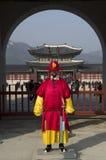 Φρουρές στο παλάτι Gyeongbokgung στοκ εικόνες