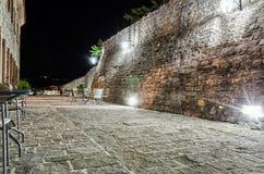 Φρούριο της παλαιάς πόλης Budva τη νύχτα Στοκ Φωτογραφία