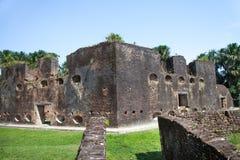 Φρούριο Τουβλότοιχοι του οχυρού Zeelandia, Γουιάνα Το οχυρό Ζηλανδία βρίσκεται στο νησί του ποταμού Essequibo στοκ φωτογραφία