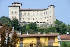 Φρούριο Borromeo Rocca σε Angera στη λίμνη maggiore Στοκ φωτογραφίες με δικαίωμα ελεύθερης χρήσης