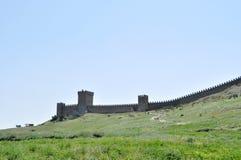 Φρούριο Genoese σε Sudak, η χερσόνησος της Κριμαίας, μαύρη στοκ εικόνα