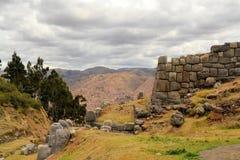 Φρούριο Saksaywaman Inca με την άποψη σχετικά με Cusco, Περού Στοκ φωτογραφία με δικαίωμα ελεύθερης χρήσης