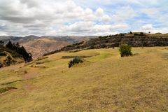 Φρούριο Saksaywaman Inca με την άποψη σχετικά με Cusco, Περού Στοκ εικόνες με δικαίωμα ελεύθερης χρήσης