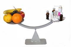 Φρούτα ή φάρμακα Στοκ φωτογραφία με δικαίωμα ελεύθερης χρήσης