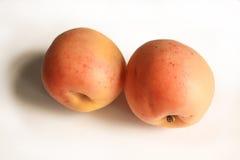 Φρούτα βερίκοκων στο άσπρο υπόβαθρο Στοκ εικόνες με δικαίωμα ελεύθερης χρήσης