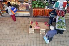 Φρούτα και λαχανικά αγοράς Στοκ Φωτογραφία