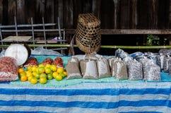 Φρούτα και δημητριακά στοκ εικόνα