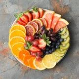 Φρούτα και λαχανικά ουράνιων τόξων, τοπ άποψη Στοκ φωτογραφία με δικαίωμα ελεύθερης χρήσης