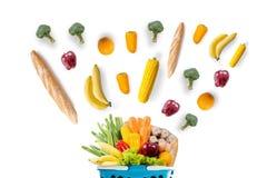 φρούτα και λαχανικά υγιεινής διατροφής στις αγορές παντοπωλείων υπεραγορών στοκ φωτογραφία