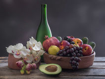 Φρούτα και ορχιδέες Στοκ Εικόνα