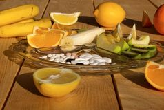 Φρούτα και φάρμακα Στοκ Φωτογραφία