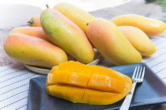 Φρούτα μάγκο, φρούτα στο καλοκαίρι Στοκ Εικόνες