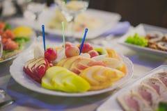 Φρούτα που τεμαχίζονται Στοκ Φωτογραφίες