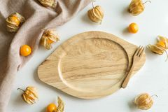 Φρούτα ριβησίων ακρωτηρίων και κενό πιάτο Στοκ Εικόνες