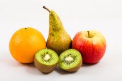 Φρούτα σε ένα άσπρο υπόβαθρο στοκ φωτογραφίες