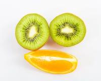 Φρούτα σε ένα άσπρο υπόβαθρο στοκ φωτογραφίες με δικαίωμα ελεύθερης χρήσης