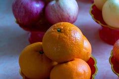 Φρούτα στο δίσκο βάθρων Στοκ φωτογραφίες με δικαίωμα ελεύθερης χρήσης