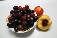Φρούτα στο επιδόρπιο στοκ εικόνες
