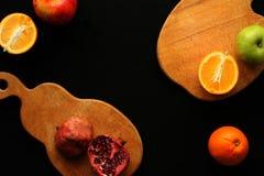 Φρούτα στο μαύρο υπόβαθρο Στοκ εικόνα με δικαίωμα ελεύθερης χρήσης