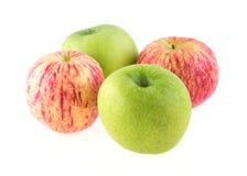 Φρούτα της Apple με τις πτώσεις νερού που απομονώνονται Στοκ φωτογραφία με δικαίωμα ελεύθερης χρήσης