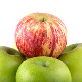 Φρούτα της Apple με τις πτώσεις νερού Στοκ Φωτογραφία