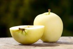 Φρούτα της Apple στο υπόβαθρο φύσης, τρόφιμα Στοκ Εικόνες
