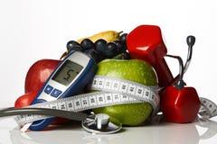 Φρούτα glucometer στηθοσκοπίων και αλτήρες, έννοια διαβήτη Στοκ φωτογραφίες με δικαίωμα ελεύθερης χρήσης