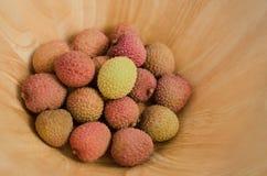 Φρούτα Lychee σε ένα κύπελλο στοκ εικόνα