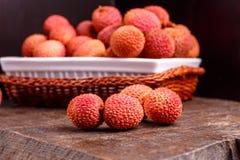 Φρούτα Lychee, τα οποία καλούνται κινεζικό δαμάσκηνο Στοκ Φωτογραφίες
