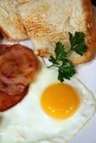 φρυγανιά αυγών μπέϊκον Στοκ φωτογραφία με δικαίωμα ελεύθερης χρήσης