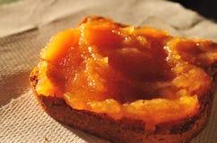 φρυγανιά μαρμελάδας 2 μήλων Στοκ φωτογραφία με δικαίωμα ελεύθερης χρήσης